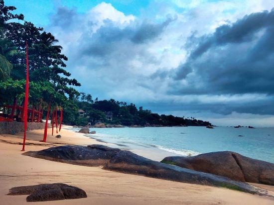 苏梅岛沙滩共和酒店