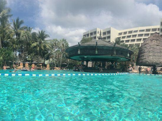 普吉岛卡伦海滩瑞享度假村及水疗中心(movenpick resort and spa karo
