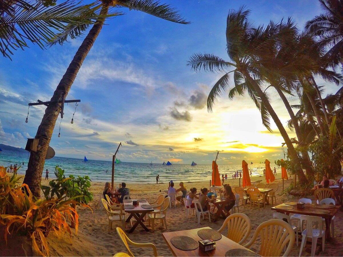 菲律宾长滩岛5日4晚半自助游·5j直飞,环岛游 面包喂鱼 浮潜 海鲜烧烤