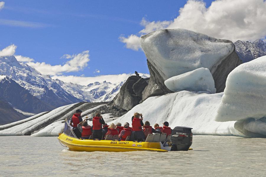 新西兰最大塔斯曼冰川;2.世界最小蓝企鹅;3