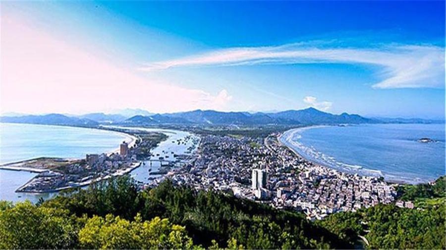 惠州 巽寮湾2日1晚跟团游(4钻)·海之星游艇  双月湾观景台 海龟岛