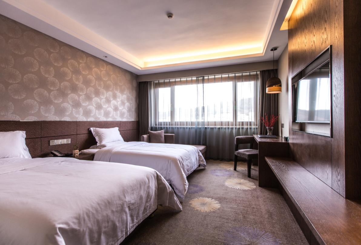 威海塔山宾馆1晚+刘公岛门票·依山观海