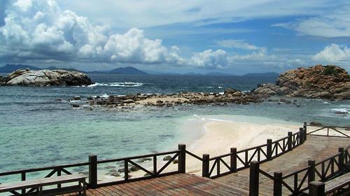 珊瑚礁,可以去热带雨林探奇,可以私享一场接一场的SPA盛宴,可以图片