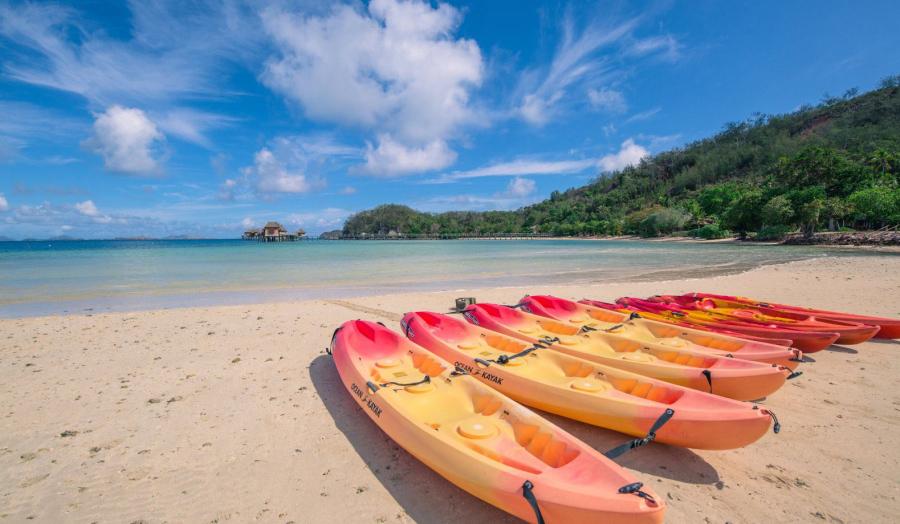 玛玛奴卡群岛:    马娜岛度假酒店    植物岛度假酒店    马塔马诺
