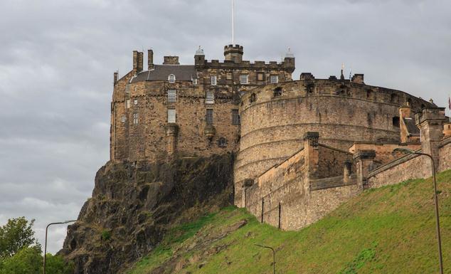 英国 爱尔兰14日跟团游(4钻)·深度 三城堡 敞篷马车