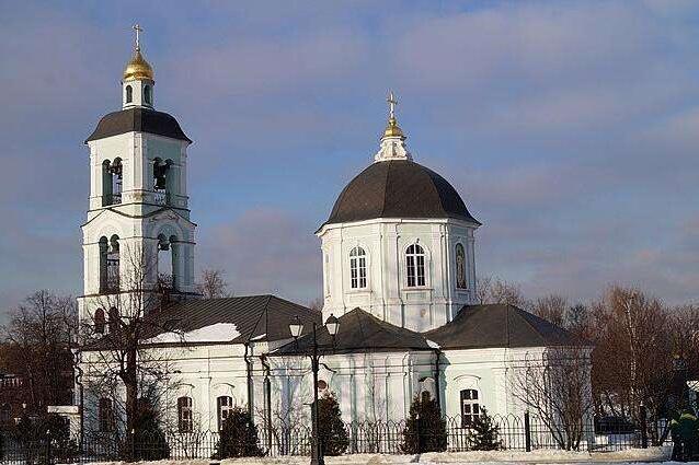 俄罗斯莫斯科+圣彼得堡9日跟团游·四星酒店