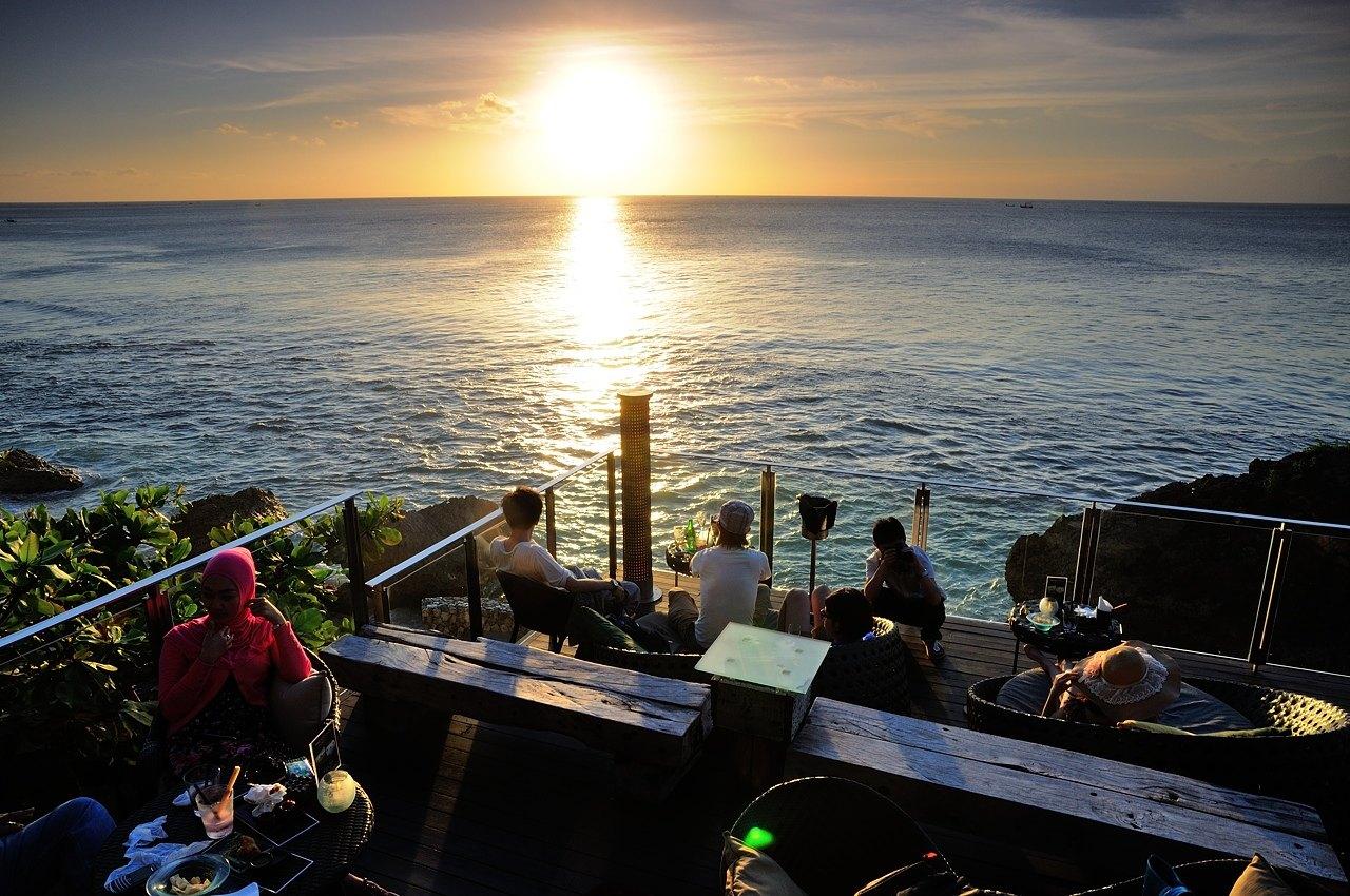 印度尼西亚巴厘岛 蓝梦岛 金巴兰 乌布7日5晚跟团游