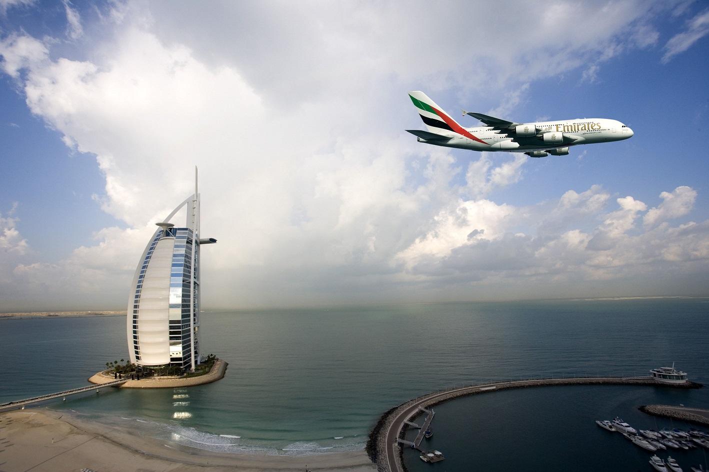 坐水上飞机俯瞰整个棕榈岛,在海底餐厅品尝美食,亦或者去迪拜的各大