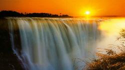 落日下的维多利亚瀑布
