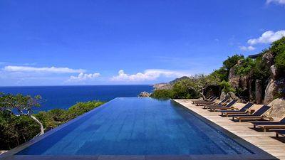 俯瞰壮丽的Vinh HY湾和东海
