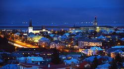 俯瞰小镇夜景