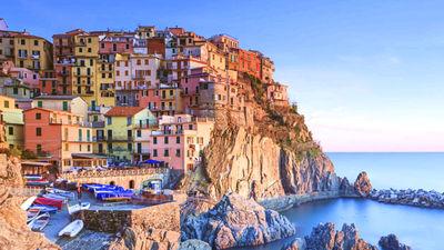 悬崖上的彩色小镇-五渔村
