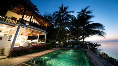 单卧泳池别墅