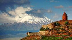 亚拉腊山山麓的Khor Virap修道院