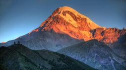 卡兹贝吉雪山