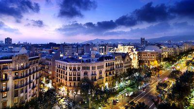 酒店顶层欣赏迷人巴塞罗那