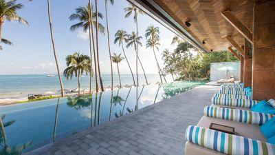 酒店无边泳池