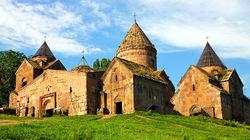 草原上的Goshavank修道院