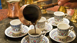 享用阿拉伯茶