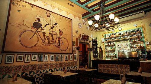 【特色点心】巴塞罗那四猫咖啡厅(els 4 gats)西班牙油条+巧克力