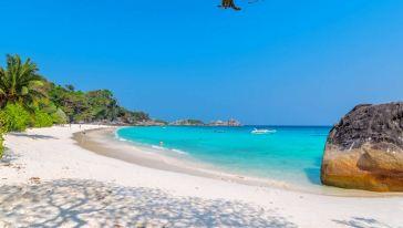 沙巴环滩岛v海钓+海钓+皮划艇+鲍鱼BBQ午餐一刘在石在面包车上跳伞图片