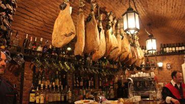 【西班牙招牌】西班牙马德里美食餐厅三道式餐美食节洞穴图片