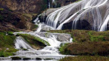 %陡坡塘瀑布2