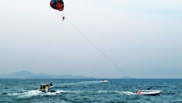 Pattaya Paragliding 1