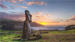 太平洋上看日出的莫埃石像