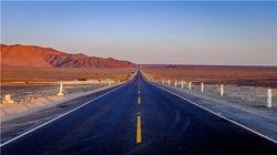 通向帕拉卡斯的沙漠之路