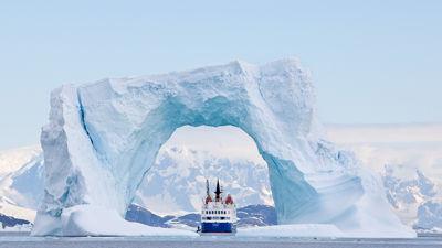 直飞南极 船