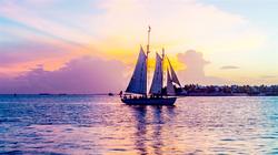 西礁岛白帆船 欣赏大西洋最美日落
