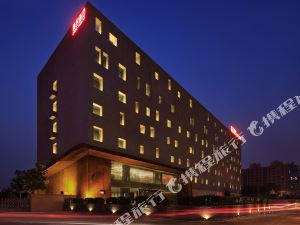 颐舍酒店(洛阳龙门高铁站店) 1-3晚+龙门石窟门票(9:30入园)+免费高铁接送站