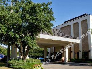 햄프턴 인 달라스 - 애디슨(Hampton Inn Dallas/Addison, TX)