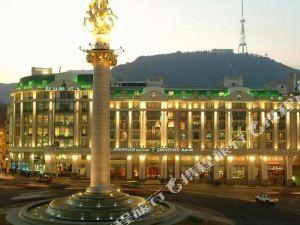 코트야드 바이 메리어트 트빌리시 (Courtyard Tbilisi)