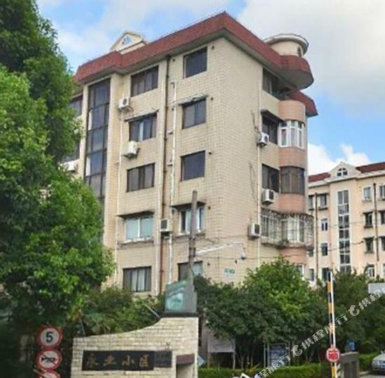 浦东新区 >> 酒店   地址(位置,怎么去,怎么走):  上海金海路136弄4号