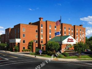 Hampton Inn and Suites Charlottesvile @ University