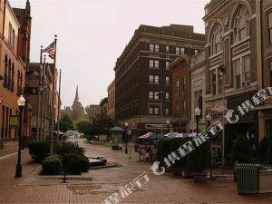 라마다 컴벌랜드 다운타운(Ramada Cumberland Downtown)