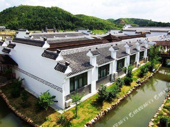 安远三百山热泉河酒店