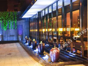 Crystal Pudi Hotel