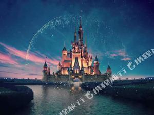 免费班车接送迪士尼!上海浦东机场莎海国际酒店+上海迪士尼度假区门票+可加购上海野生动物园【酒店近野生动物园】