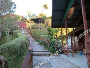 마일 36 로지 (Mile 36 Lodge Ranau)