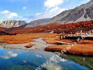 周边景点 稻城亚丁风景区-稻城德吉梅朵藏文化主题酒店图片 稻城德吉图片