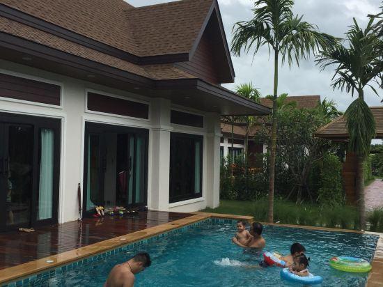 甲米维安维曼豪华私人泳池别墅度假村