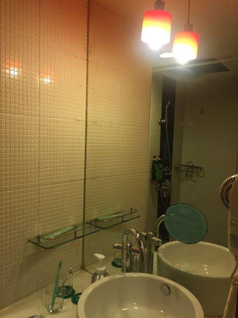 卫生间装修效果图欧式两米