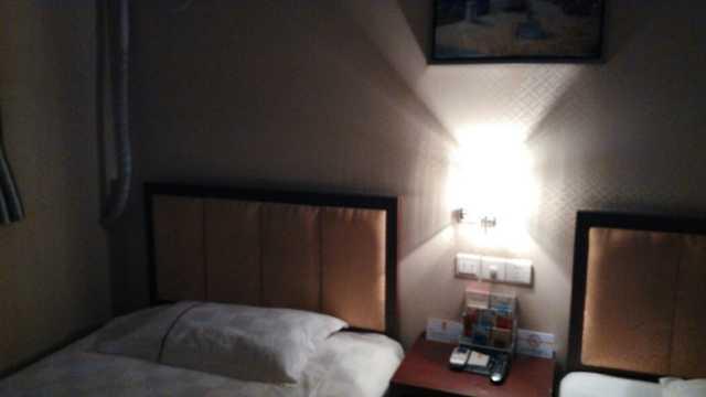 酒店房间双控开关接线图