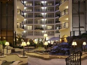 Embassy Suites St Paul-Downtown