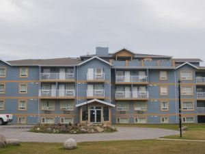Misty Mountain Inn & Suites