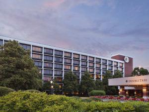 더블트리 바이 힐튼 샬롯츠빌 (Doubletree Hotel Charlottesville)