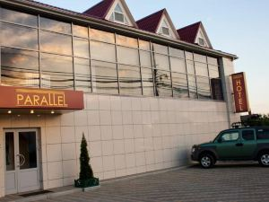 Parallel Hotel